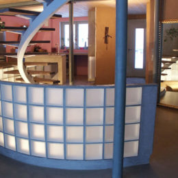 Wsolarc-wohnbereich-mit-treppe